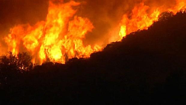 [LA] Crews Continue to Battle Powerhouse Fire