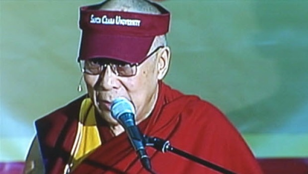 [BAY] Dalai Lama Spreads Message of Compassion at Santa Clara University