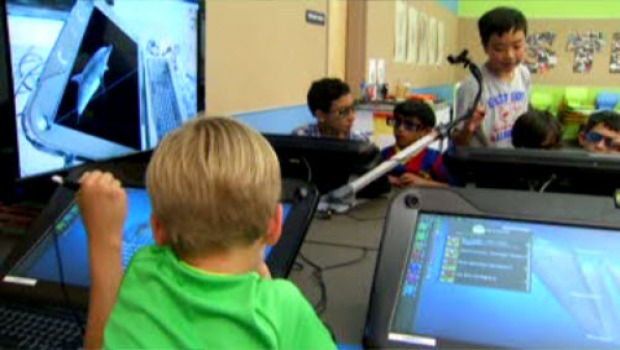 [BAY] Los Altos School District Tries Out Virtual Reality in the Classroom