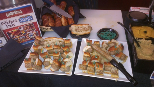 San Francisco Giants Introduce New Ballpark Food Items for the 2014 Season at AT&T Park