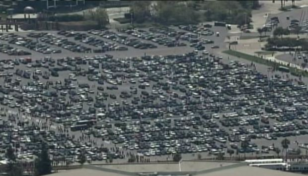 [BAY] Fans Have Parking Trouble at Levi's Stadium 49ers Opener; VTA Crowded