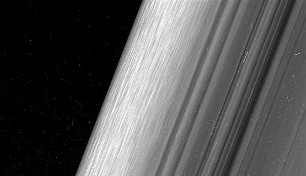 [LA GALLERY] Images Show Saturn Rings in Never-Seen-Before Detail