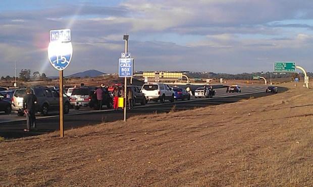 [G] Bomb Hoax Halts Thanksgiving Traffic on I-15
