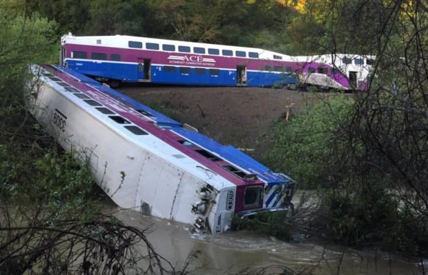 [BAY] Mudslide Cause of Train Derailment