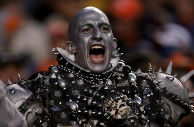 [IMAGES] Oakland Raiders Fans