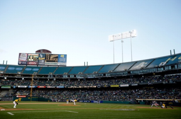 [BAY] Oakland Coliseum Briefly Loses Power Due to Lightning Strike