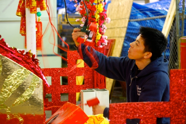 PHOTOS: Gearing Up for Chinese New Year Parade