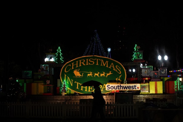 Timelapse Video: Hundreds Gather at San Jose's Christmas in the Park