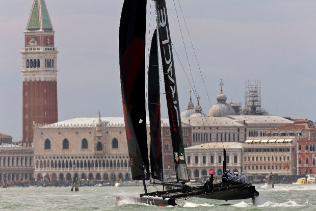 [BAY] Racing in Venice