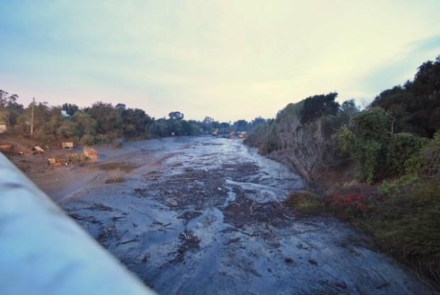 [NATL-LA] January Storm Photos: Southern California Mudslides Leave Path of Destruction