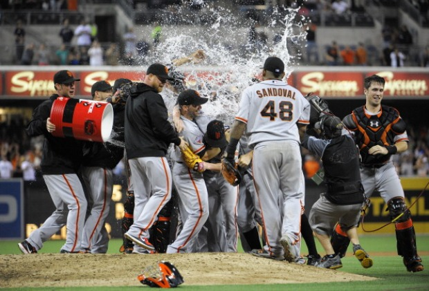 Tim Lincecum Throws No Hitter