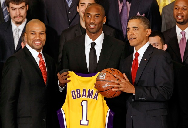 Kobe, Khloe Meet Obama on Lakers Day
