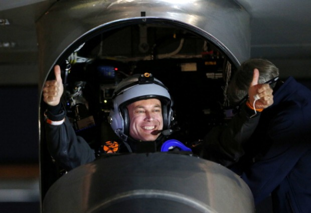 Solar Impulse Leaves Moffett on Cross-Country Flight