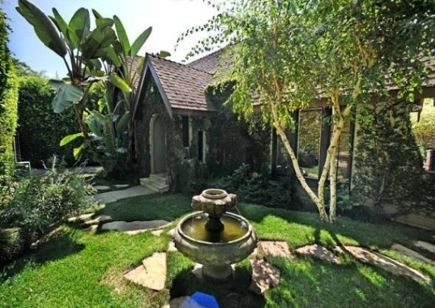 John Krasinski Re-Lists L.A. Home for Under $1M