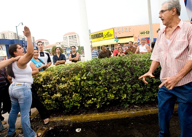 Cubans Clash Over Juanes Concert