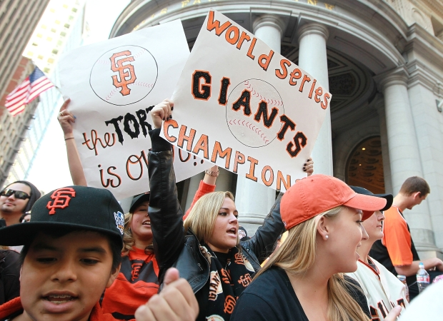 [BAY] Raw Video: Cain and Sanchez at the Parade