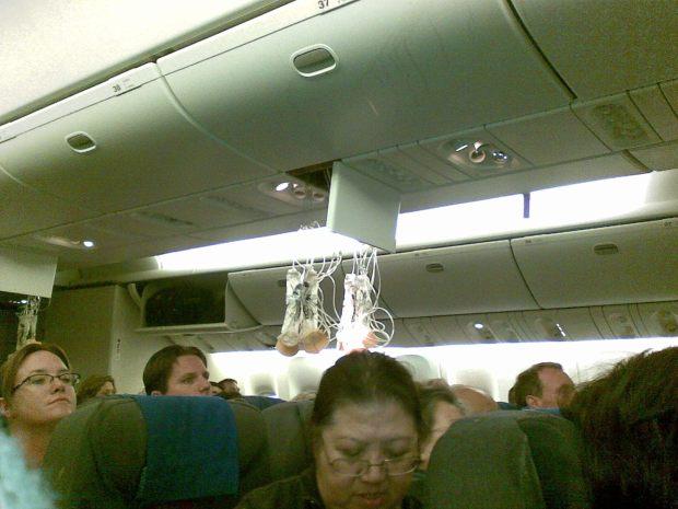 Passenger Takes Pics From Inside Flight 967