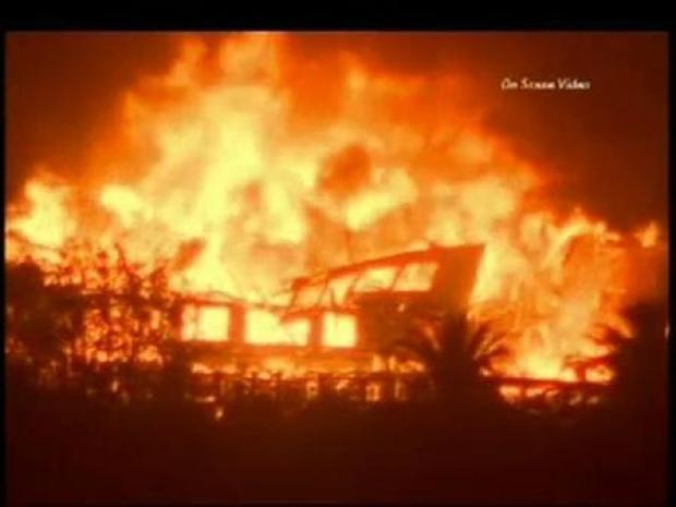 [LA] Houses Burn in Montecito (On Scene Video)
