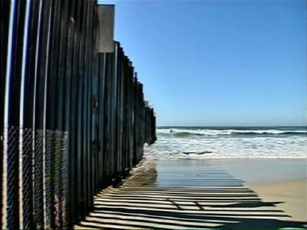 [DGO] Agents Arrest 2 Men in Wetsuits Along San Diego Shore
