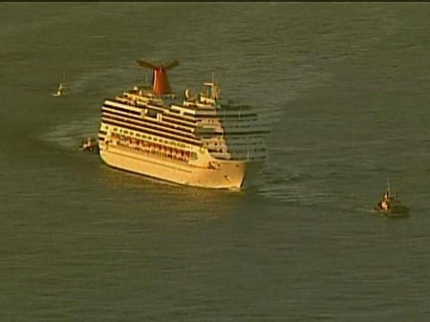 [DGO] Splendor Towed into San Diego Bay