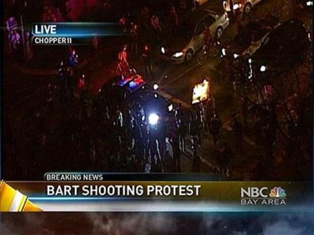 [BAY] Crowd Turns Violent in Oakland After BART Shooting