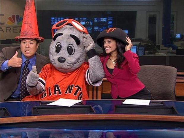 [BAY] Lou Seal Hangs Out With Morning Crew