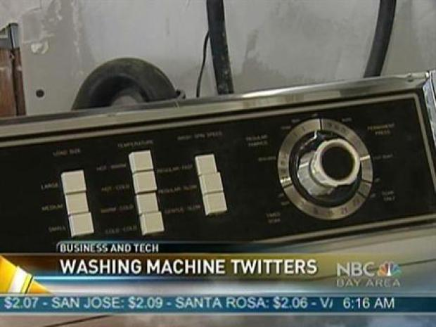 [BAY] Man Uses Twitter in Laundry