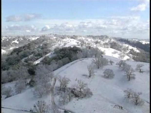 [BAY] Mt. Hamilton Gets Snowed in