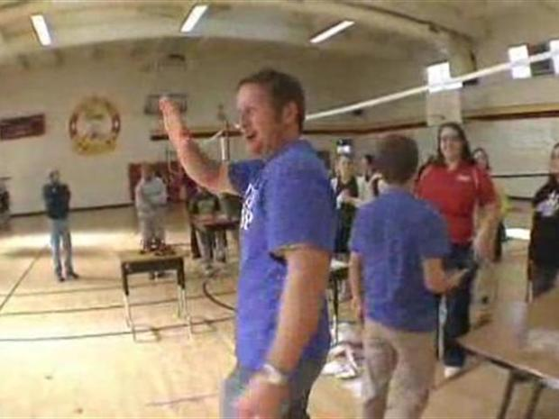 [BAY] Willow Glen Middle School Gets Minute to Win It Fever