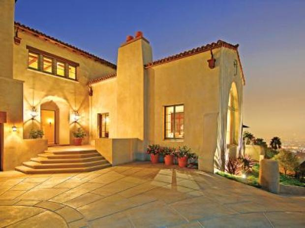 [OPEN HOUSE]  A Sunny Spanish Compound in Southern California