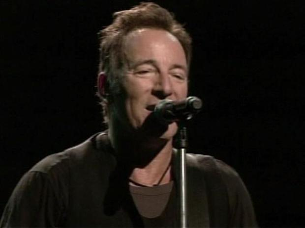 [PHI] Springsteen Marks Beginning of End for The Spectrum
