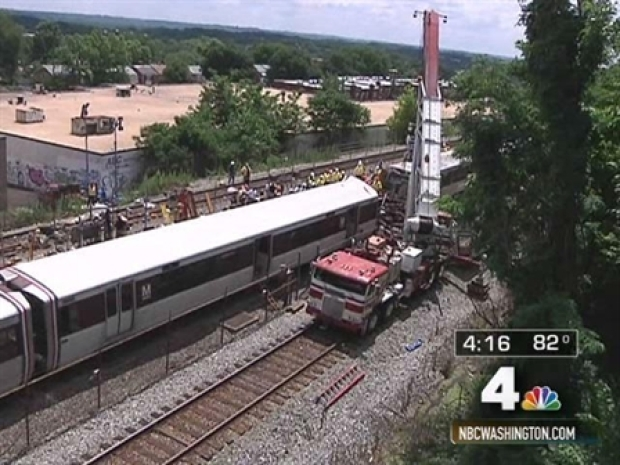 [DC] Survivors Describe Frightening Train Crash