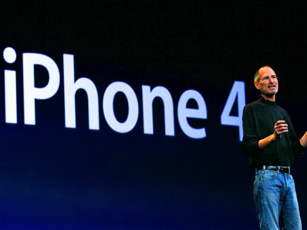 [NATL] Photos: Jobs Introduces Apple's iPhone 4