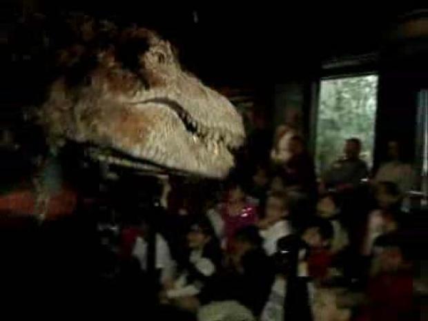 [LA] Dinosaur Attacks Children