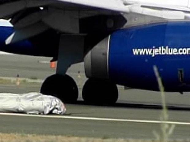 [LA] 15 Hurt as Flight Makes Hard Landing in Sacramento