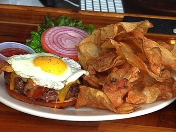 [LXTVN] Metal-Inspired Burgers at Kuma's Corner