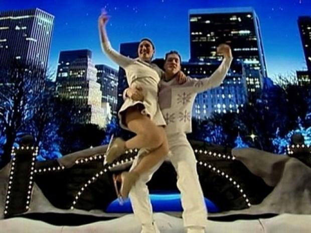[NY] Christmas Show Boasts New Skating Routine