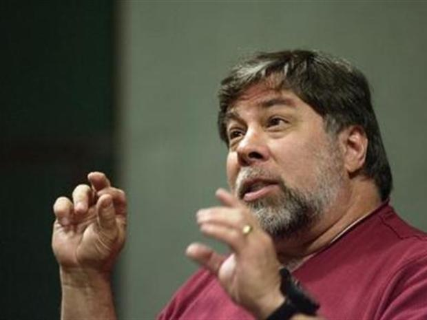 [BAY] Wozniak Turns His Back on His Roots