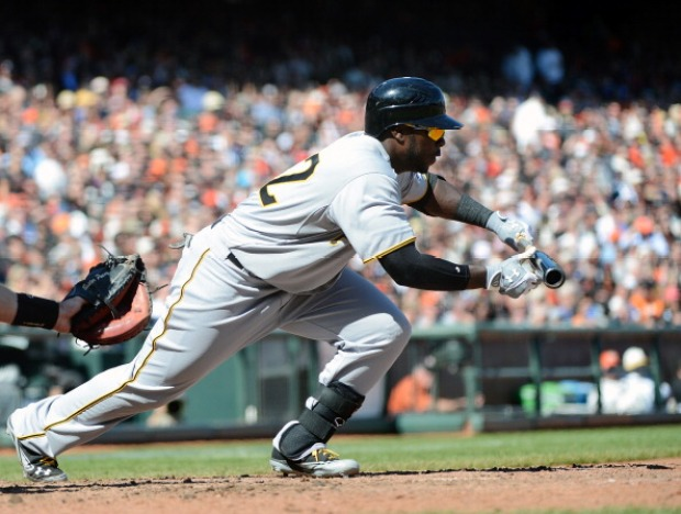 Pirates Beat Giants 4-1 (Images)