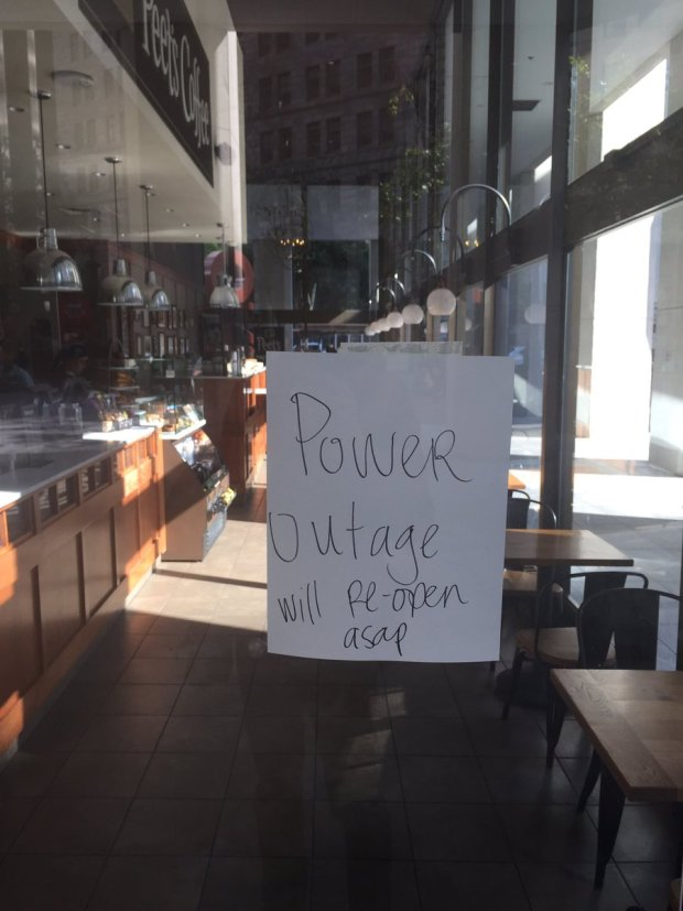 [NATL-BAY] Power Outage Affects Thousands in San Francisco
