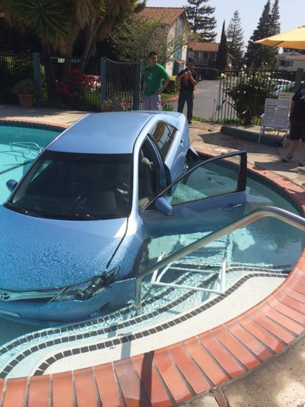 Car Goes Into Campbell Swimming Pool