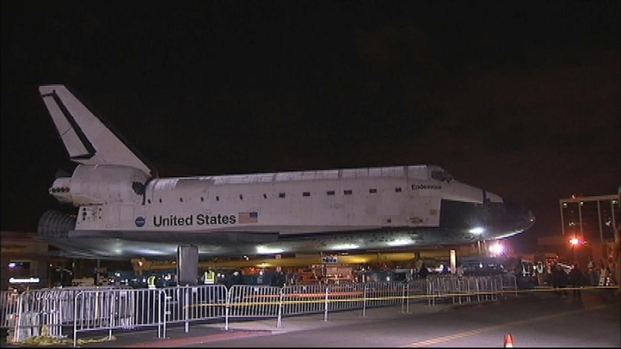 [LA] Raw Video: Space Shuttle Endeavour Begins Journey From LAX