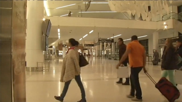 [BAY] Travelers Stranded by Sandy Camp Out at SFO
