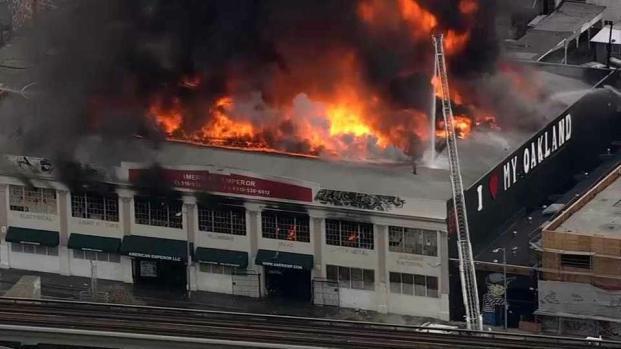[BAY] 3-Alarm Blaze Engulfs Supply Warehouse in Oakland