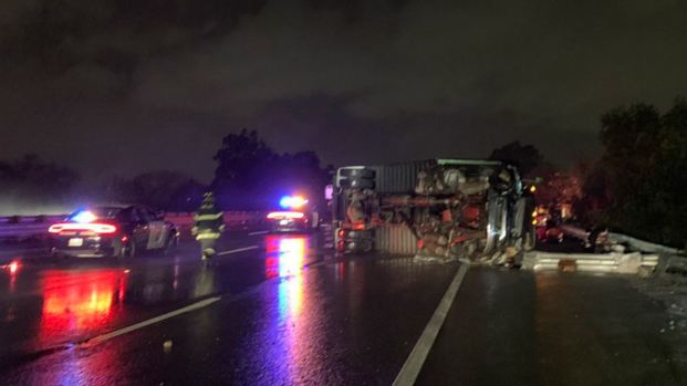 [BAY] 1 Dead, Lanes of Hwy. 101 in SJ Blocked Due to Truck Crash
