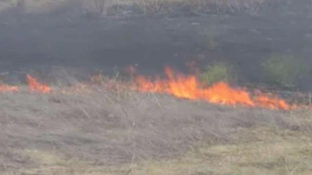 [BAY] Fire Scorches Dried Grass Along Interstate 80 in Rodeo