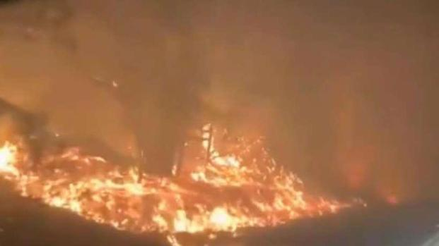 [BAY] Fire on Both Sides of Hwy 128 in Healdsburg