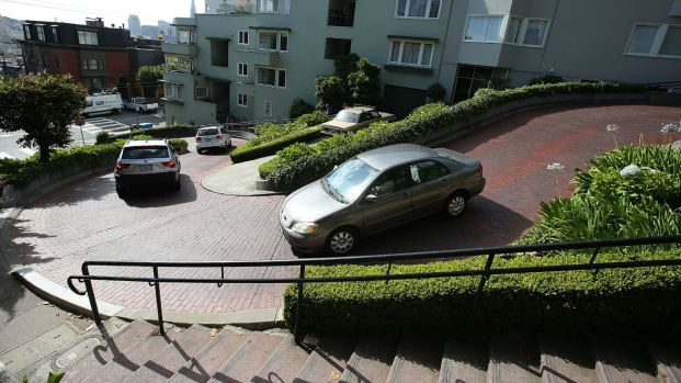 [BAY] San Francisco Eyes Charge to Drive Its Famed Lombard Street