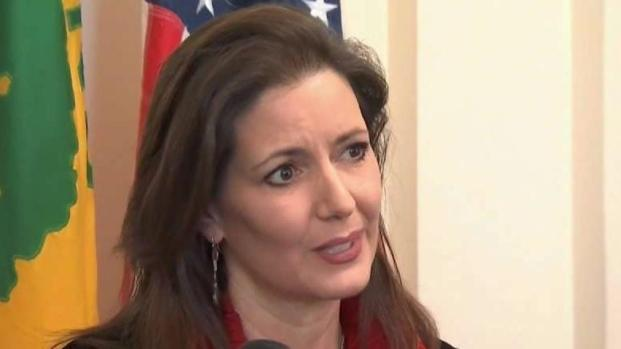 Oakland Mayor Libby Schaaf Claps Back at AG Jeff Sessions
