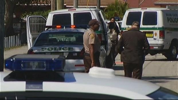 [MI] Body Found on Sidewalk in Northwest Miami-Dade